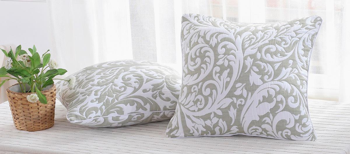 фото подушки из ткани жаккард
